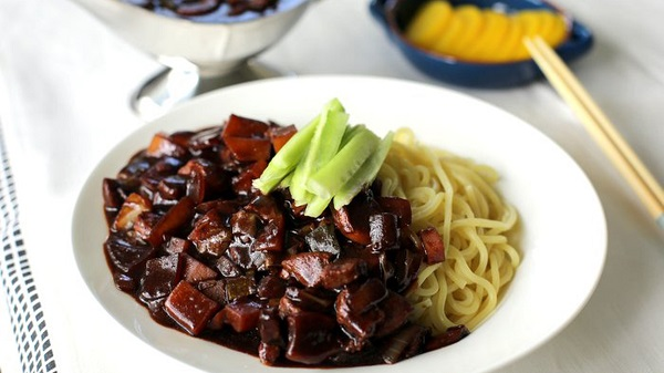 Mỳ đen Hàn Quốc – đặc sản ngon không thể cưỡng của xứ Hàn
